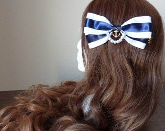 Marine Sailor-Style Pearl and Star Bow Clip
