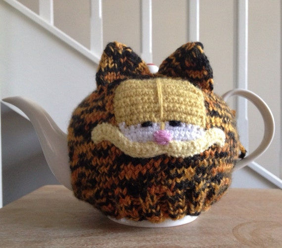 Free Patterns For Loom Knitting : SALE Garfield Tea Cosy