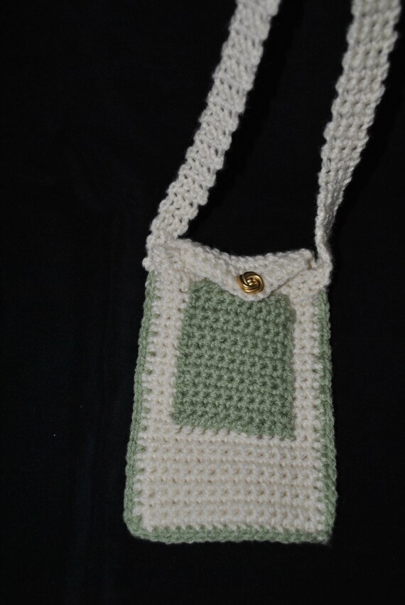 Crochet Cell Phone Purse : Cross Body Crocheted Cell Phone Purse by FDcreativedesigns on Etsy