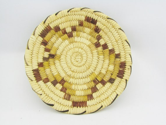 Traditional Native American Basket Weaving : Traditional coil weave tohono o odam papago by