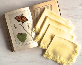 Set of 4 Yellow Tea Napkins With Fringe