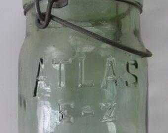 Apple Green Atlas E-Z Seal Glass Pint Canning Jar