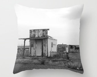 Ghost Town, Pillow Cover, 16x16,18x18,20x20, home decoration, unique decor, interior design, black white,grey,desert,rustic, lonley building