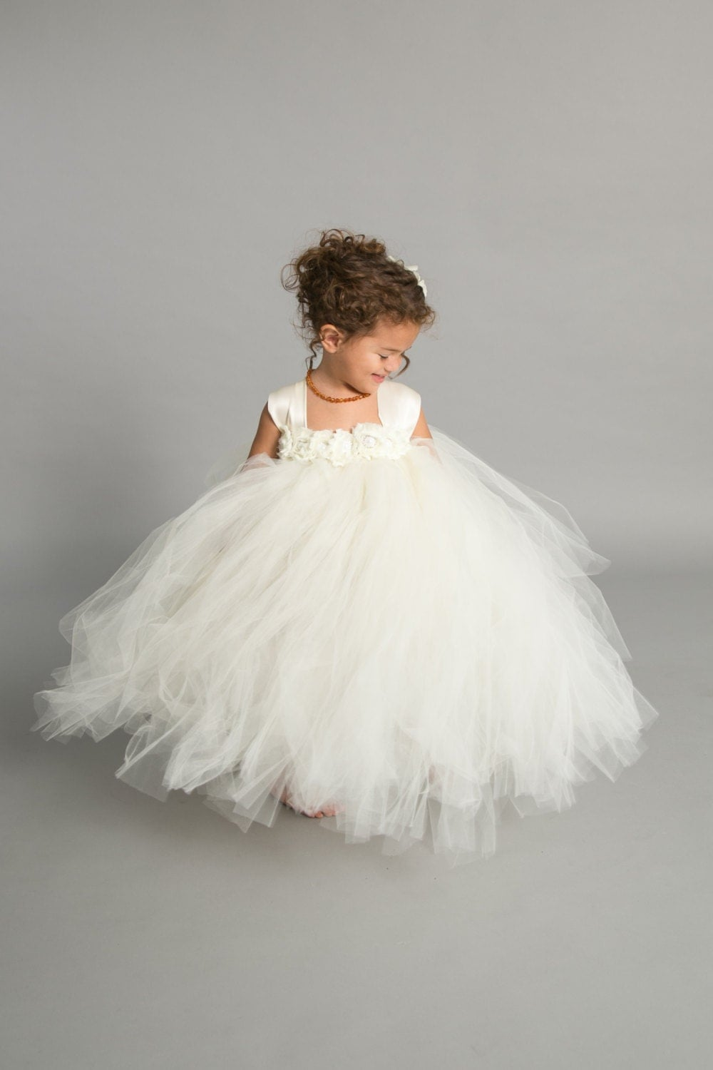 Flower girl dress tulle flower girl dress ivory dress for Flower girls wedding dress
