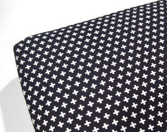 Plus crib sheet, black and white plus crib sheet, black and white sheet