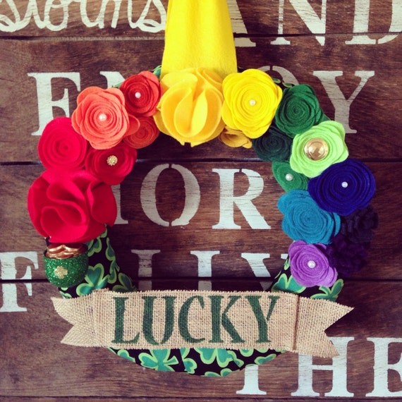 St. Patrick's Day wreath, rainbow wreath, felt flower wreath, pot of gold wreath, lucky wreath, fekt flower wreath