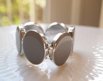 Gray Circle Stretch Fashion Bracelet 1980s