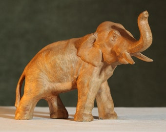 Vintage Metal Shabby Chic ELEPHANT Rustic Collectible Statue Figurine Good Luck Charm
