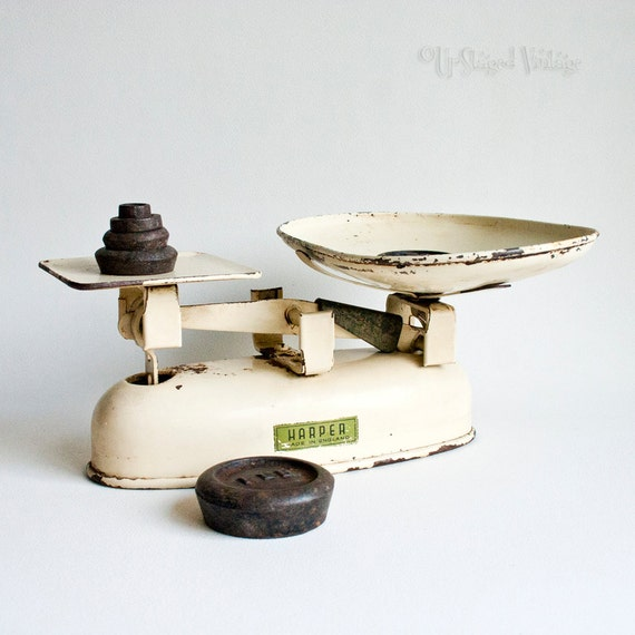 Vintage rustic cream enamel harper kitchen scales imperial for Rustic kitchen scale