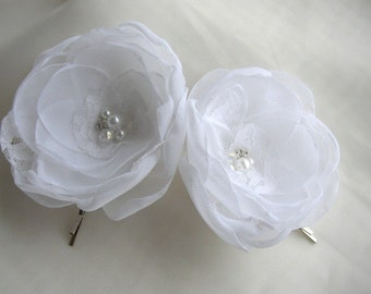 Lace Bridal Hair Flowers - Set of two White Hair Pins - White Wedding Hair Accessories - White Bridal Hairpiece - Flower Girl Hair Flowers