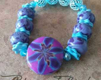 Reversible Focal Bead Stretch Bracelet -- Ready for Shipping