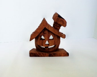 The Pumpkin House, Fantasy woodcarving