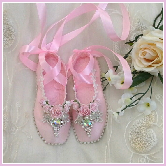 handmade shabby chic ballet shoes ballet slippers pointe. Black Bedroom Furniture Sets. Home Design Ideas