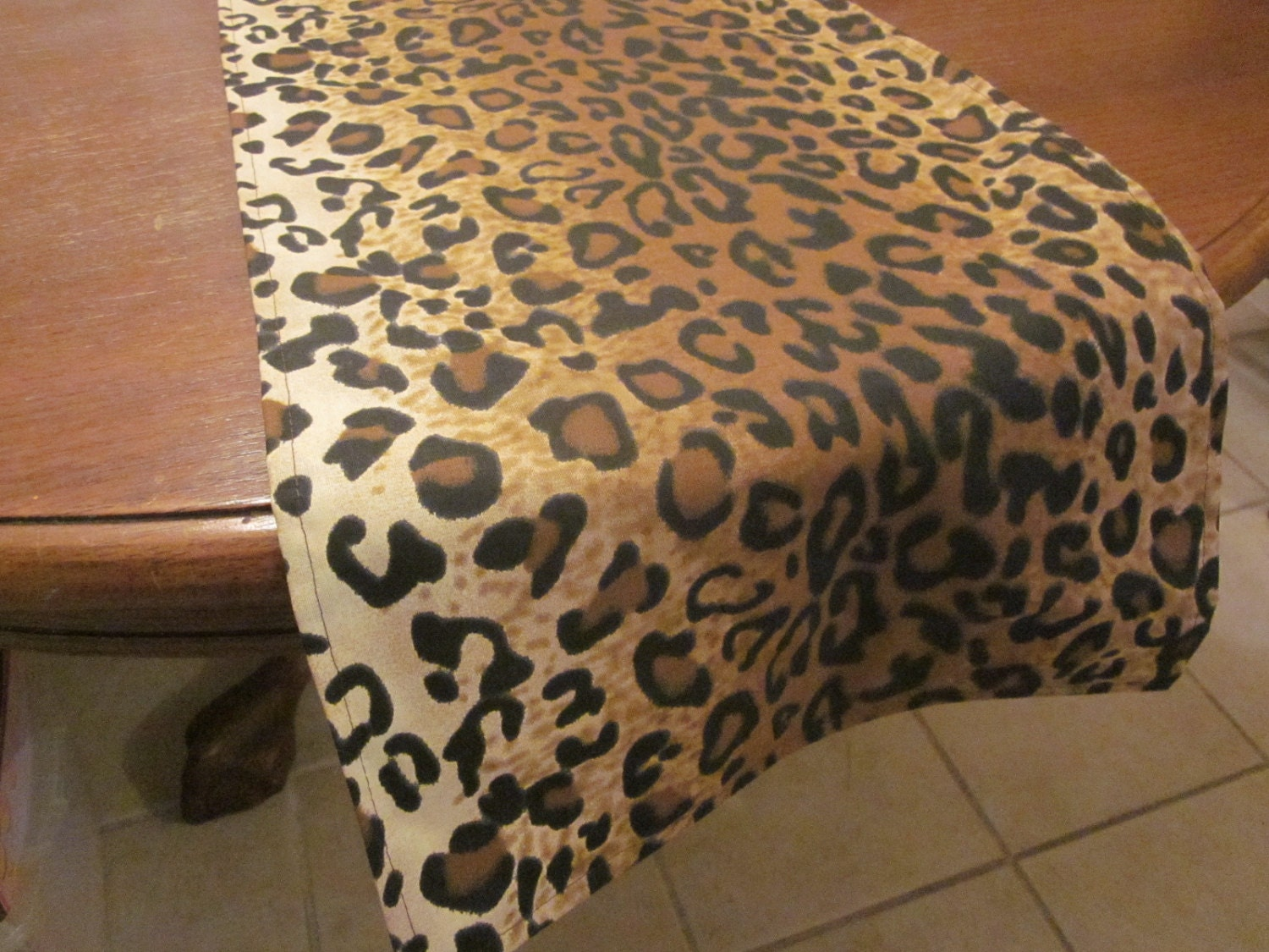 leopard print table runner safari party decorations jungle. Black Bedroom Furniture Sets. Home Design Ideas