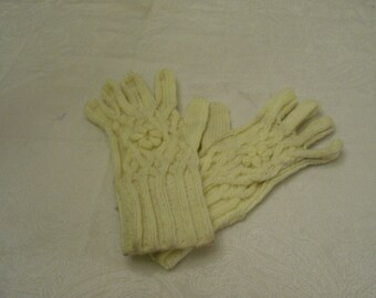 knitted gloves with cables