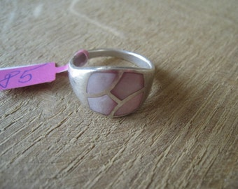 Sterling Silver Pink MOP Inlay Ring Size 7.75- 8 (85)