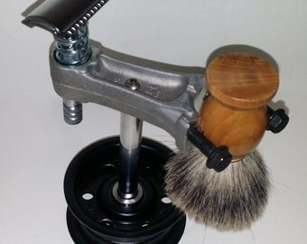 Manliest Razor Shaving Stand - Engine Themed