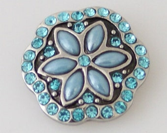 KB7953  Pale Blue Pearl Flower Petals Surrounded by Turquoise Crystals