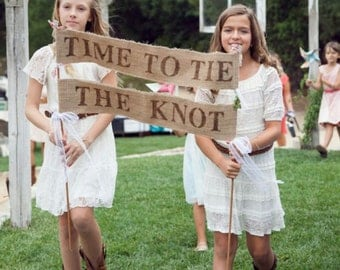 Time To Tie The Knot Burlap Banner Wedding Sign, Flower Girl Sign, Rustic Wedding Decor, Wedding Ceremony Banner