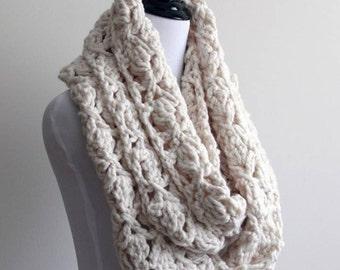 Crochet infinity scarf, cream white scarf, soft chunky crochet scarf, eternity scarf, circle scarves, crochet scarf, loop scarves