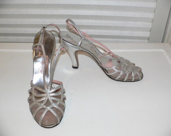 Beautiful 1950's C. CRAWFORD HOLLIDGE Silver Shoes Size 6 1/2 aaa