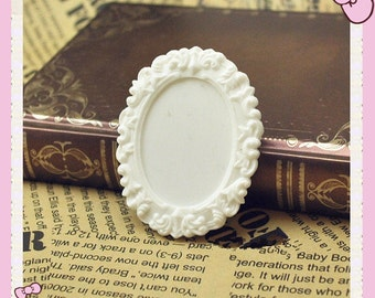 Wholesale 50pcs White Victorian Oval Resin  Frame Cameo Setting Flatback Cabochon 30mmx40mm