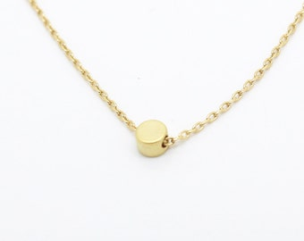 gold plated brass dot chain necklace dot charm pendant jewelry simple everyday jewelry tiny necklace minimalist dainty jewelry dot necklace