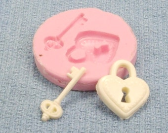 Silicone mold for heart lock and key