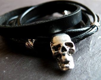 Male leather bracelet with skull