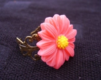 Adjustable Dark Pink Daisy Ring
