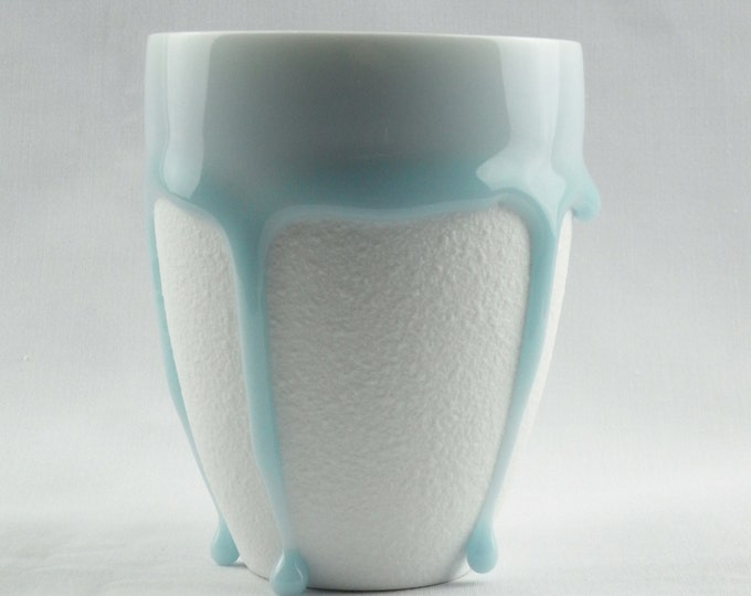 Styling of Flowing Glaze Teardrops White Beige 2 Colors Porcelain Mug