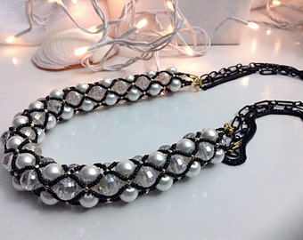 Netted Pearl and crystal necklace