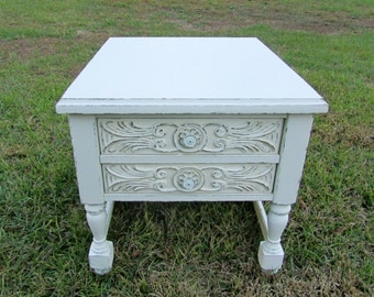 Vintage Cottage Chic Night Table / Shabby Chic / End Table / French Provential / Farm House
