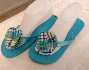 Ladies Medium  Lt Blue  Flip Flops Size 7-8