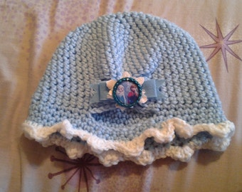 Elsa inspired beanie hat with matching fingerless gloves