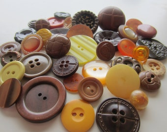 Cottage Chic vintage buttons. Shades of taupe, brown, pink, amber, and yellow. Lot 40 (2065)