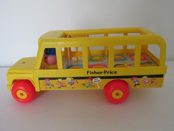 vintage 1984 fisher price school bus with driver. Black Bedroom Furniture Sets. Home Design Ideas