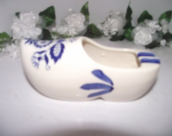 Delft blue dutch clog shoe with two but tray's