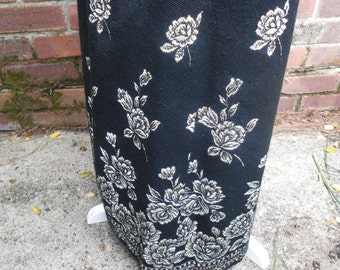 Vintage Floral 1970's Black & Silver Maxi Skirt by Renjoy 28 Inch Waist