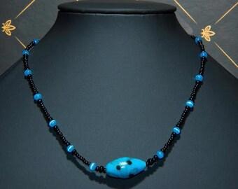 Necklace pretty pea