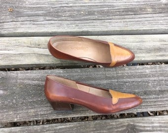 Shoes - Size 7 Heels Two Tone Brown and Tan Womens Pumps