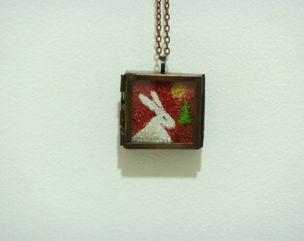 Hare embroidered pendant 2
