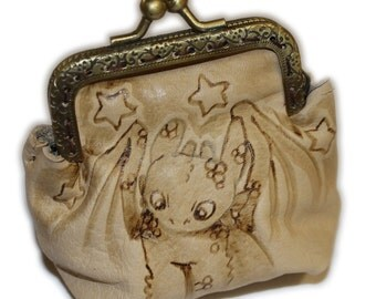 Toothless leather purse