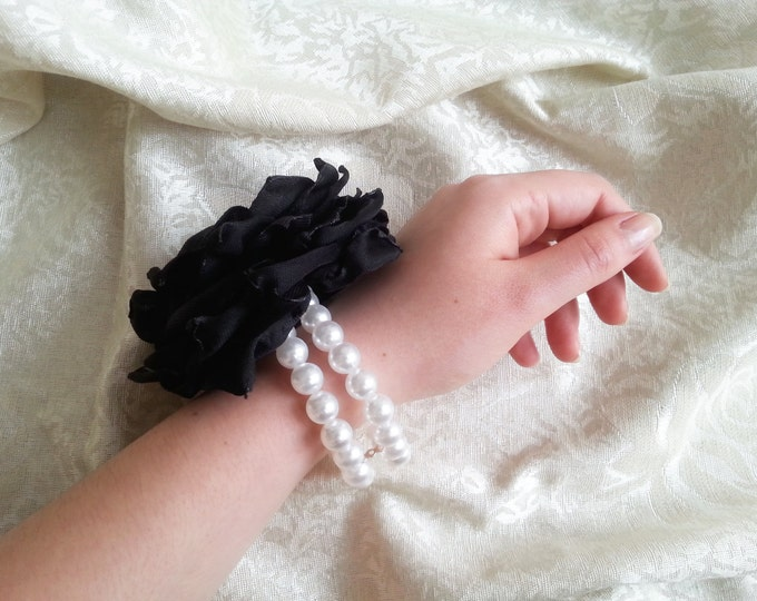 Black and white Wrist Corsage, white pearls chiffon satin flower, prom bridesmaid Corsage hand made silk flower bracelet