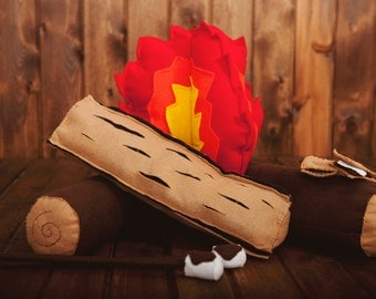 Felt Campfire and S'mores Set - Campfire, Play Food, Dramatic Play, Imagination Toy, Pretend Play, Photo Prop