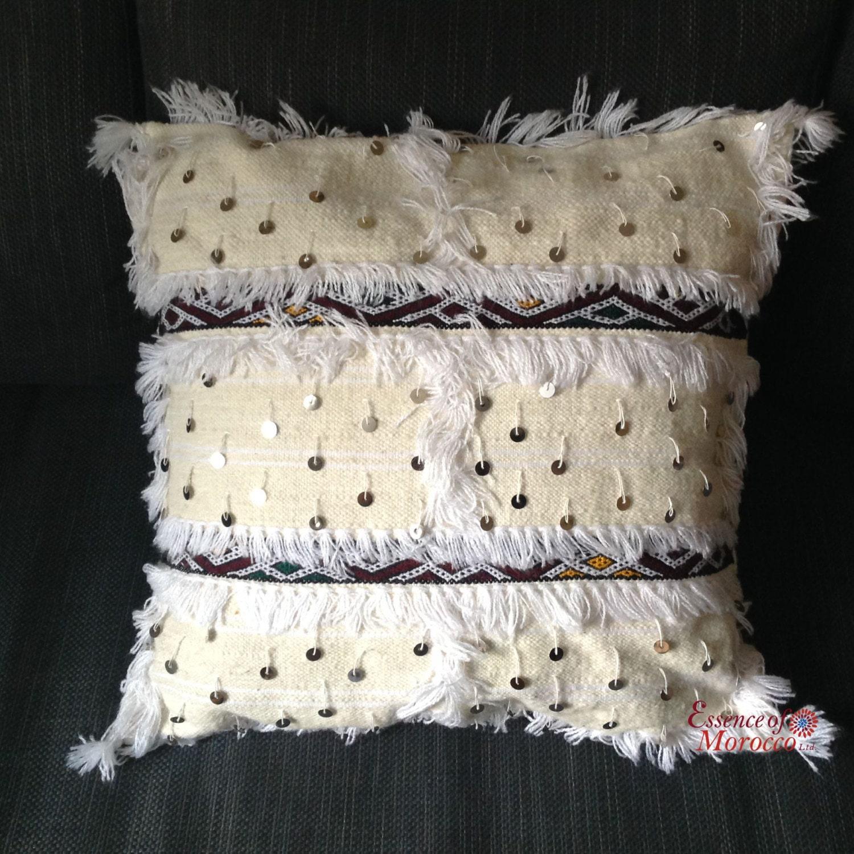 handira coussin berb re marocain brod la main avec des. Black Bedroom Furniture Sets. Home Design Ideas