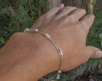 White Opal bracelet, opal bead brecelet, opal silver bracelet, opal jewelry, tiny opal bracelet, beaded bracelet, minimal bracelet