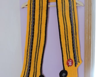 Crochet school bus scarf
