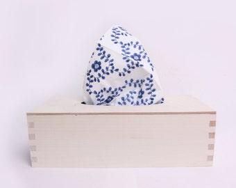 wooden tissue box, unfinished unpainted plain wood box, natural, rectangle tissue box cover, handkerchief, minimalist, Scandinavian style