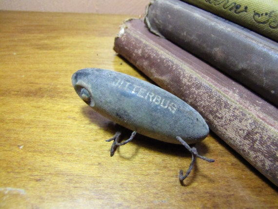 Vintage jitterbug fishing lure for Jitterbug fishing lure